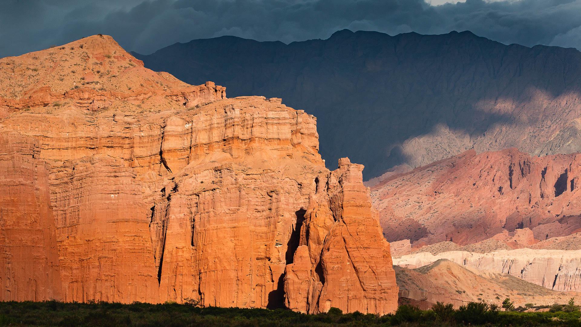 Los Castillos, la última formación de la Quebrada de las Conchas antes de los Valles Calchaquíes.